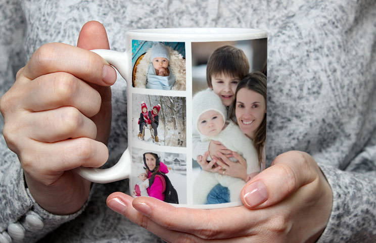 Kissing couple with personalised mugs with text on